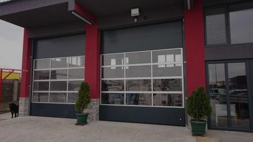 Индустриални секционни врати