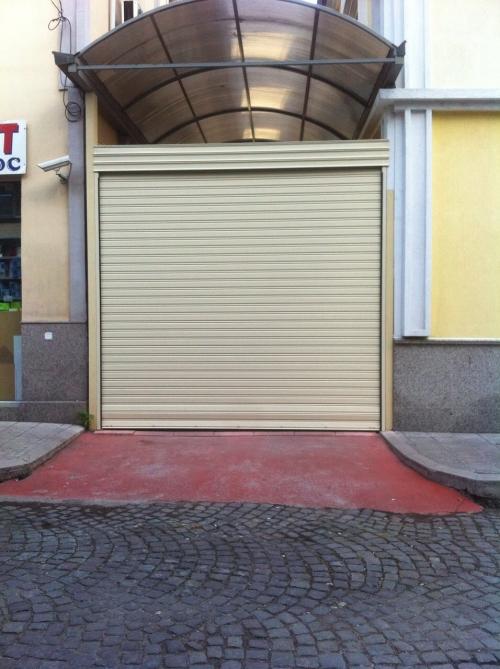 Ролетни гаражни врати